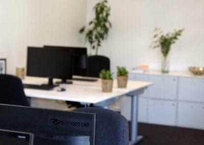 Fire eller otte arbejdspladser i Roskilde centrum. Kontorlokale 32 giver dig muligheden.