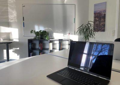 Kontorlokale 12, god plads til tre arbejdspladser