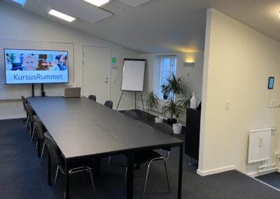 Brug for et kursuslokale til et heldagskursus i Roskilde? Book KursusRummet - det er nemt!