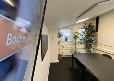 Undervisningslokale i Roskilde centrum - KursusRummet har AV-udstyret!