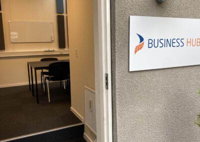 Der er direkte adgang fra gården ved BusinessHouse til kursuslokalet, hvori du kan afholde undervisning eller lignende.